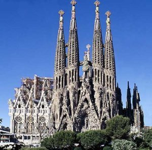 EXPLORE BARCELONA IN 2 DAYS – DAY 1